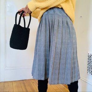 Houndstooth Pleated Midi Skirt — 10